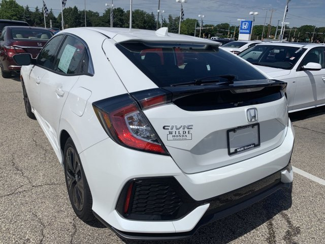 Certified Pre-Owned 2017 Honda Civic Hatchback EX-L Navi
